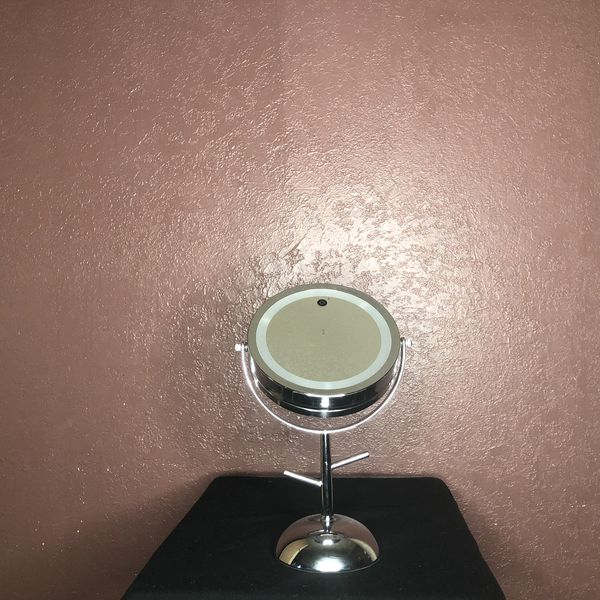 Magnified LED lighted Mirror