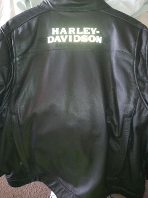 Harley Davidson leather jacket and vest for Sale in Glendale, AZ
