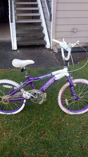 Sheer fun Avigo Girls 20 inch bike (Purple & White) for Sale in Redmond, WA