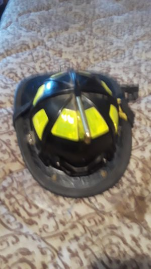 Fire helmet good condition for Sale in Pittsburgh, PA
