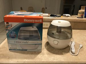 Cold Mist Humidifier ( 1gal) - very silent , Honeywell for Sale in Midland, TX