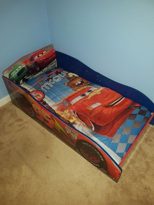 Toddler bed with mattress and bedding for Sale in Princeton, FL