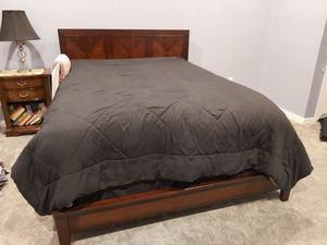 American Signature bed frame and dresser for Sale in Disputanta, VA