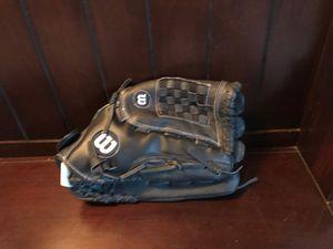 Baseball glove for Sale in San Leandro, CA