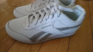 Reebok White sneakers for $30 never worn size 6.5 for Sale in West Hollywood, CA