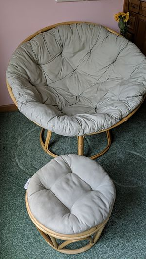 Light green papasan with stool for Sale in Plattsburgh, NY