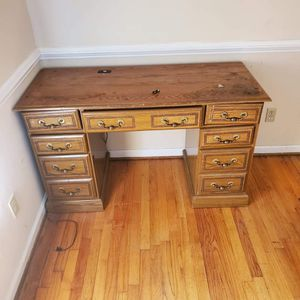 Antique computer desk for Sale in Cayce, SC