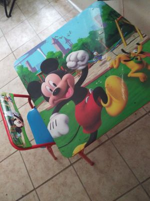 Kids table 2 chairs for Sale in Houston, TX