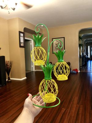 Pineapple Candle Holder for Sale in Pflugerville, TX