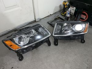 14-16 jeep grand cherokee headlights for Sale in Malden, MA