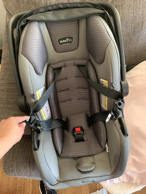 Evenflo car seat for Sale in Oxon Hill, MD