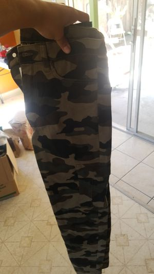 Camo juniors H&m pants with tag for Sale in Pinole, CA