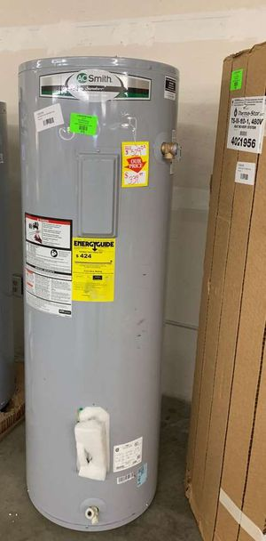 50 gallon AO Smith water heater with warranty YL for Sale in Saginaw, TX