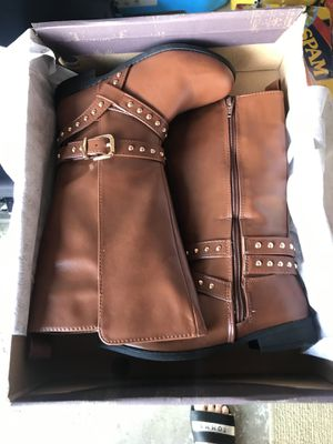 Girls boots size 1 for Sale in San Bruno, CA