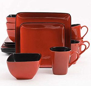 Red Dinnerware Set (30 piece) for Sale in Santa Fe, NM