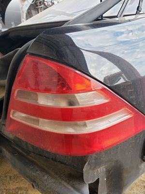 For sale 2001-2006 Mercedes S430 passenger tail light for Sale in Grand Prairie, TX