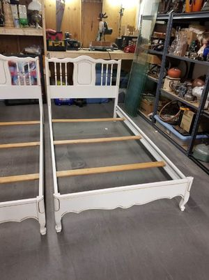 White Hollywood Regency Rococo Style Twin Bed Frame (2 of 2) for Sale in Syracuse, NY