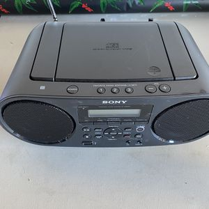 Sony Boombox with Bluetooth, USB,. CD and radio player for Sale in Plano, TX