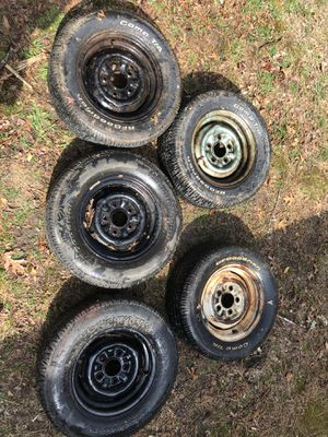 5 Tires 205/60R13 for Sale in Bayville, NJ