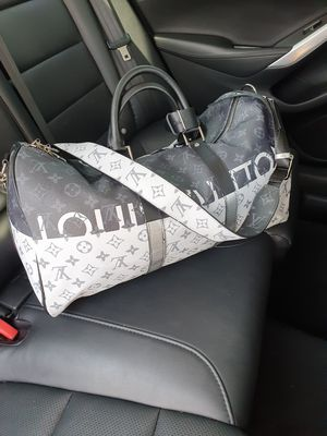 Travel duffle bag size 45 for Sale in Fontana, CA