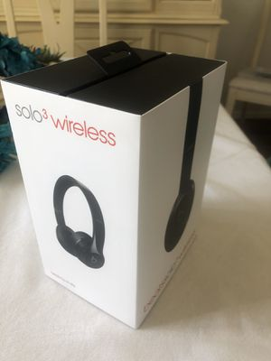 Beats solo 3 wireless headphones for Sale in El Paso, TX