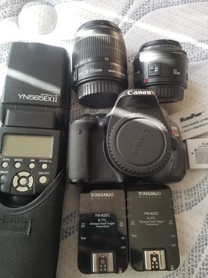 Canon with flash and trigger for Sale in Romoland, CA