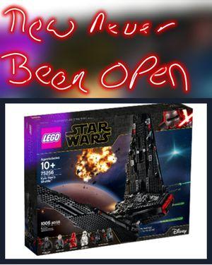 LEGO Star Wars Kylo Ren's Shuttle 75256 for Sale in Phoenix, AZ