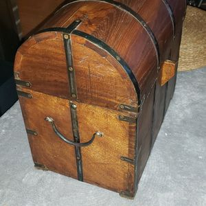 Vintage Wooden Wine Box, Made In India for Sale in Tinley Park, IL