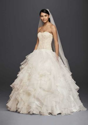 New Oleg Cassini Wedding Dress Sz 10 for Sale in Woodbury, NJ
