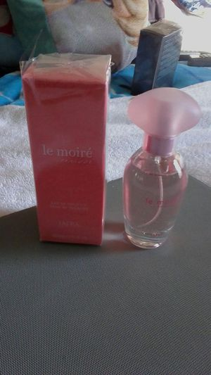 Le moire floral perfume para mujer for Sale in Lake Ridge, VA