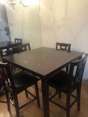 Dining table for Sale in High Point, NC