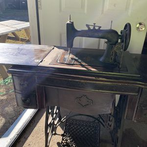 Antique threading Sewing machine for Sale in Cayce, SC