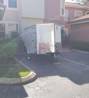 Trailer 5x8 encloser 2016 like new for Sale in Altamonte Springs, FL