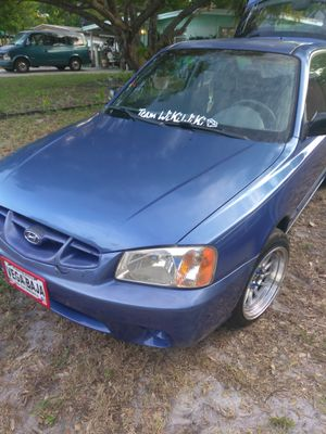 Hyundai accent 2001 1.6 good condition the engine part is new and new rims new interiol good car team wikiwiki 💎 El pitufo for Sale in Largo, FL