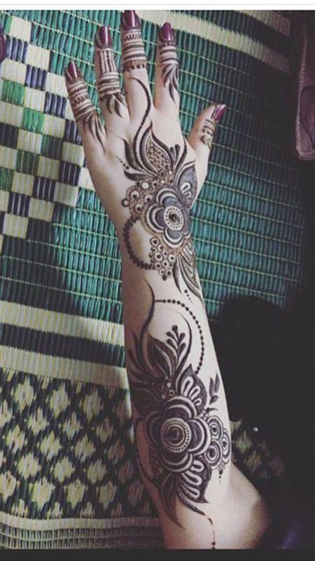 Henna details for ladies