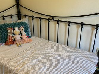 Twin Day Bed With Trundle for Sale in Chula Vista,  CA