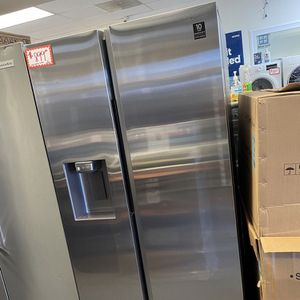 New Samsung side by side fridge scratched and dented with 6 months warranty for Sale in Laurel, MD