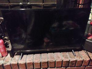 32 inch roku smart tv for Sale in Saint Ann, MO
