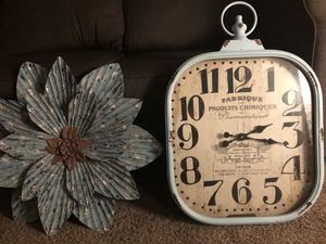 Clock and wall decor for Sale in Upland, CA