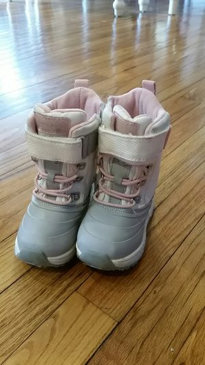 Toddler size 7 snow boots for Sale in Kansas City, MO