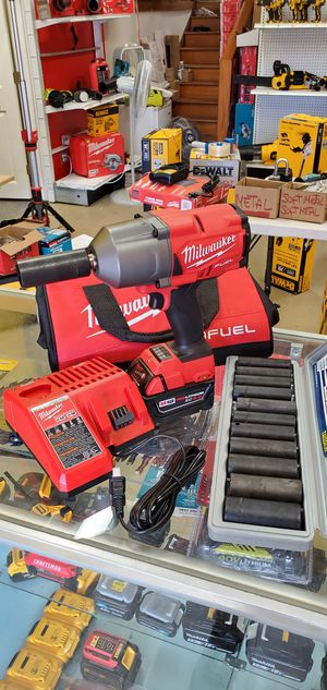 Milwaukee Fuel 1/2 Wrench High Impact 1400 Torque Kit + 12PCS 1/2 Deep Impact Socket Set for Sale in Chicago, IL