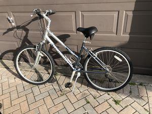 Raleigh sc40 hybrid bike for Sale in Oakland, FL