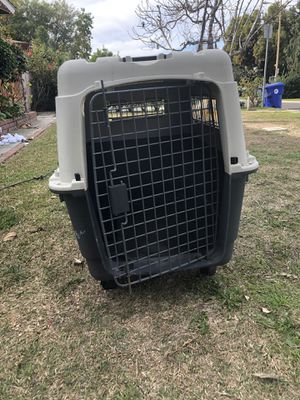 Large dog cage/crate for Sale in Irwindale, CA