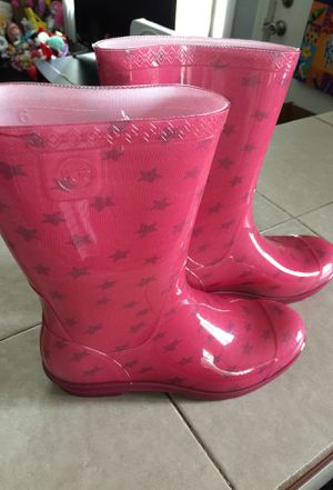 UGG rain boots. for Sale in Blue Island, IL