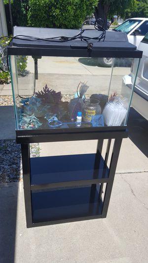 20 gal fish tank for Sale in Rancho Cordova, CA