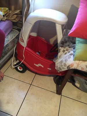 Free little tikes car for Sale in Garden Grove, CA