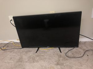 32 inch ONN smart TV with roku remote for Sale in Richmond, VA
