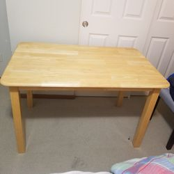 """Sturdy Wood Table 48""""W×29.5""""D, 30""""tall. for Sale in Issaquah,  WA"""