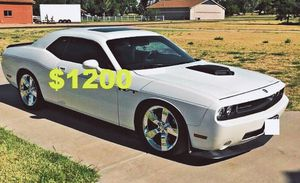 🙏$1,2OO Nice 2009 Dodge Challenger🙏 for Sale in Chicago, IL