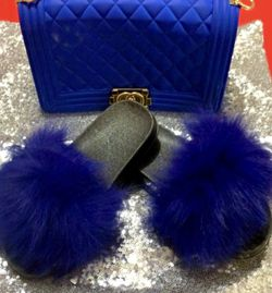 Fluffy Slides Wit Bag for Sale in Morrisville,  PA
